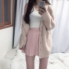 Find images and videos about girl, fashion and style on We Heart It - the app to get lost in what you love. Style Ulzzang, Ulzzang Fashion, Kpop Fashion, Cute Fashion, Asian Fashion, Girl Fashion, Fashion Looks, Fashion Outfits, French Fashion