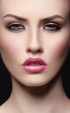 Time Saving Makeup Tricks   Simple Everyday Makeup, I have seen many woman  who skip all sort of looks just because they don t have time to apply base . bf1e9edba9