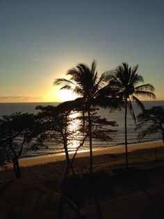 Gorgeous sunrise captured by Merrin Sinclair a valued in-house guest at the moment. We just love it when our guests share their photos with us.#trinitybeach #exploretnq #thisismyparadise