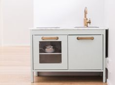 Ikea Duktig play kitchen children's kitchen hack Farrow & Ball Teresa's Green Brass and Marble