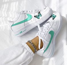Jordan Shoes Girls, Girls Shoes, Nike Air Shoes, Sneakers Nike, Custom Shoes, Nike Custom, Baskets, Custom Air Force 1, Aesthetic Shoes