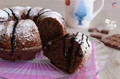 Un delizioso e goloso ciambellone soffice al cioccolato, semplice da fare e davvero buonissimo, perfetto per la prima colazione o la merenda !