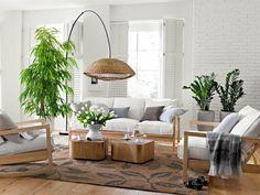 Wohnung Einrichten Ideen Wohnbereich Pflanzen Holzmobel Teppich Florales Muster
