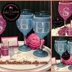 Bling Bottles, Wine Glass Designs, Glitter Wine Glasses, Personalized Wine, Glass Photo, Friend Birthday, Bridesmaid Gifts, Decorative Bottles, Crafts