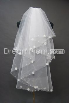 Lovely Two-Layer Fingertip Wedding Bridal Veil with Floral Motif Edge