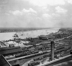 Riverfront of Louisville, Kentucky, 1926. :: Caufield & Shook Collection