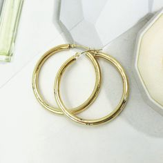 """14K YELLOW GOLD MEDIUM 1½"""" ROUNDED HOOP EARRINGS HEY LADIES EVERY GIRL NEEDS THIS CLASSIC JEWELRY STAPLE!"""