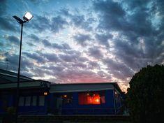 Cieli di periferia . . #coloridiroma #roma #skylovers #skyporn #bluesky #citybestpics #cityscape #citylife #light #outoftheday #cassia #sunset #urbanlandscape #urbanoutfitters #winterinrome #nuvole #ig_roma #igersroma