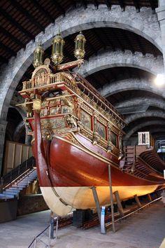 """Barcelona - Museu Maritim Réplica de la galera """"La Real"""", utilizada en la Batalla de Lepanto 1571. Catalonia"""