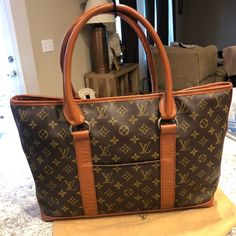 Louis vuitton vintage Sac Weekend Pm on Mercari Louis Vuitton Luggage, Vintage Louis Vuitton, Louis Vuitton Monogram, Vintage Bag, Dust Bag, January, Flaws, Photos, Pictures
