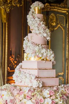extravagant wedding cakes GC Couture 10 Tier Luxury Wedding Cake At Cliveden House, A Very British 10 Tier Wedding Cakes, Extravagant Wedding Cakes, Luxury Wedding Cake, Amazing Wedding Cakes, Elegant Wedding Cakes, Wedding Cake Designs, Dream Wedding, Rosegold Wedding Cake, Royal Wedding Cakes