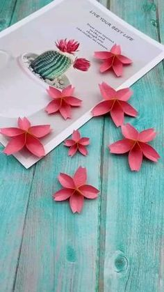Cool Paper Crafts, Paper Flowers Craft, Paper Crafts Origami, Origami Flowers, Flower Crafts, Diy Flowers, Fabric Crafts, Diy Crafts Hacks, Diy Crafts For Gifts