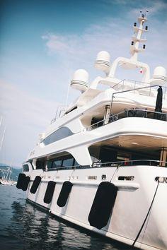 Yacht Club   ♕◈LadyLuxury◈♕