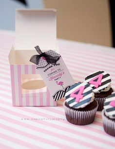 Love an individual boxed cupcake favor!