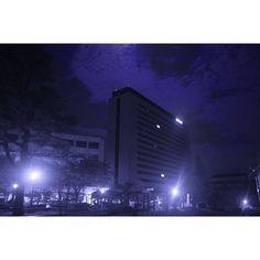 Instagram【big_denami_daddy2】さんの写真をピンしています。 《🌃☝️ #building#college#blue#night#nightview#f4f#sky#nikon#nikond5300#d5300#wood#lifestyle#life#friday#saturday#goodnight#fukuoka#fu#portal#japan#camera#カメラ#夜#大学#夜景》