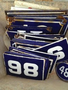 alameda flea signs . numbers