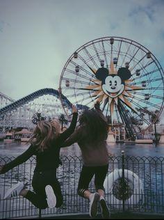 Disneyland Photography, Disneyland Photos, Sister Sister, Kodak Moment, Best Friends Forever, Girls Life, Friend Pictures, My Happy Place, Ferris Wheel