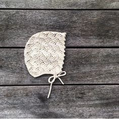- Holly Bonnet - The pattern for our #hollybonnet is now available in Danish at www.knittingforolive.dk Sizes from preemie to 12-18 months. English pattern will follow. #hollykyse #babyknits #babystrikk #luestrikk #hatknitting #laceknitting #knitting_inspiration #knittingforolivecottonmerino #knittingforolive
