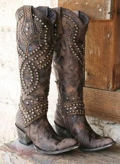"high boots for engagement shots if they are fall themed?       Old Gringo Belinda 18"" Chocolate Women's Boots"