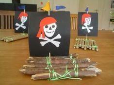 Piratenfloß – Natur Basteln – Meine Enkel und ich – Made with schwedesign.de Pirate Raft – Nature Crafting – My Grandsons and Me – Made with schwedesign. Pirate Preschool, Pirate Activities, Pirate Crafts, Preschool Art, Pirate Day, Pirate Birthday, Pirate Theme, Summer Crafts, Fun Crafts