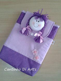 Porta fraldas, com capacidade p/ até 8 fraldas descartáveis. <br>As cores podem variar conforme a disponibilidade dos tecidos.