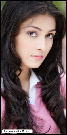 Aiza Khan (Kinza) Beautiful Pictures - A Pretty and Cute Pakistani Model http://www.bollywoodfull.com/2014/12/aiza-khan-kinza-beautiful-pictures.html