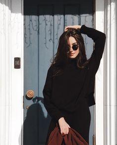 Picture of Katya Miró Self Portrait Photography, Portrait Photography Poses, Photography Poses Women, Tumblr Photography, Grunge Photography, Urban Photography, Images Instagram, Mode Instagram, Instagram Pose
