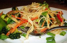 Thai Noodles With Spicy Peanut Sauce. I want to try this sauce recipe with all veg!