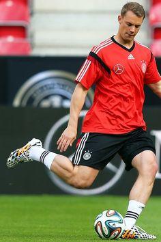 Manu Neuer :)