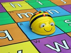 Beebot en kleuters met een ontwikkelingsvoorsprong. Op Facebook kreeg ik het verzoek om een artikel te schrijven over hoe je de Beebot kunt gebruiken bij kleuters met een ontwikkelingsvoorsprong. Dat vind ik een leuke opdracht!