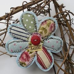 Brooch - just beautiful Visit & Like our Facebook page: https://www.facebook.com/pages/Rustic-Farmhouse-Decor