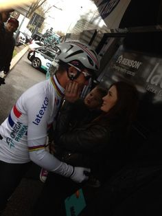 Mark Cavendish with wife Peta and daughter Delilah, before the start of Milano-Sanremo