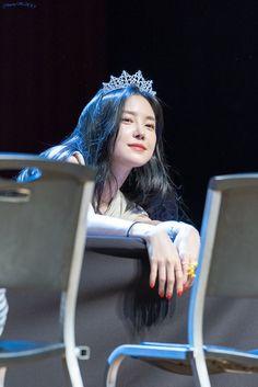 Son Na Eun Apink❤180713 Apink Naeun, Son Na Eun, Pink Panda, Girl Crushes, Korean Girl, Korean Idols, Bts Wallpaper, Kpop Girls, Ulzzang