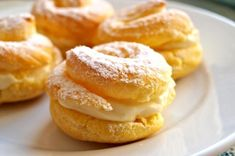 Donuts, Baked Camembert, Onion Rings, Bagel, Doughnut, Sweet Recipes, Food And Drink, Bread, Baking