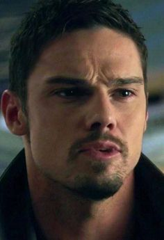 @ENews I nominate Jay Ryan #HottieOfTheWeek Why?  Cause I have no doubt he's the hottest man of the world #BATB pic.twitter.com/wjPVt2wLLP