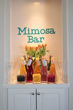 Mimosa Bar for wedding shower brunch.and I realize it isn't a brunch but something similar might be cute Drink Bar, Beverage Bars, Deco Buffet, Fiestas Party, Mimosa Bar, Mimosa Brunch, Bubbly Bar, Bellini Bar, Brunch Punch
