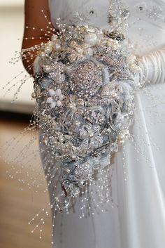 Gorgeous Cascade brooch bouquet!