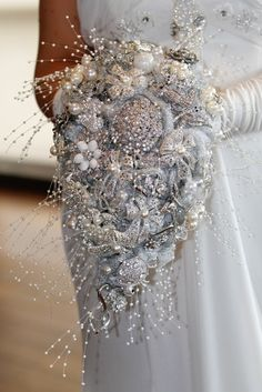 Gorgeous Cascade brooch bouquet!