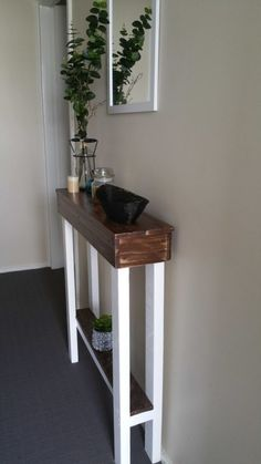 Entry Hallway Table • 1001 Pallets                                                                                                                                                                                 More