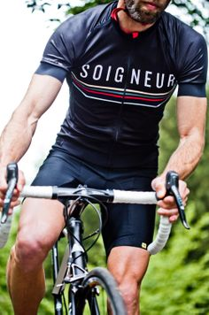 The official Soigneur Jersey. http://shop.soigneur.nl/
