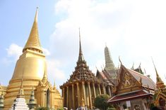 Things to do in Bangkok in 3 days and tips to plan your trip - Postcards From IvI 3 Days In Bangkok, Bangkok Shopping, Bangkok Hotel, Laos Travel, Bangkok Travel, Thailand Travel, Bangkok Trip, Premier Pools, Okinawa Japan