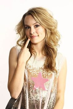 Bridget mendler love her dimples! Cute Celebrities, Hollywood Celebrities, Celebs, Hollywood Actresses, Bridgit Mendler Bikini, Top Singer, Glitter Top, Hair Styles 2014, Beauty Full Girl