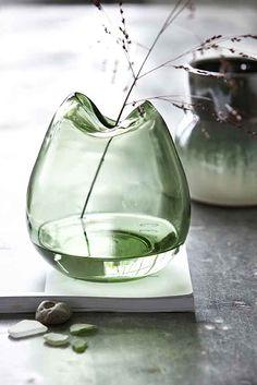 Wave small Vase House Doctor - Men vi bliver nødt til at advare dig! Produkterne er stærkt vanedannende og kan forårsage let hjertebanken – selv i små doser!