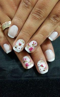 60 unhas com desenhos de rosas feitos à mão ногти ногти, дизайн ногтей и ма French Manicure Acrylic Nails, Long Acrylic Nails, French Nails, Rose Nail Art, Rose Nails, Nail Art Diy, Toe Nail Designs, Acrylic Nail Designs, Sparkle Nails