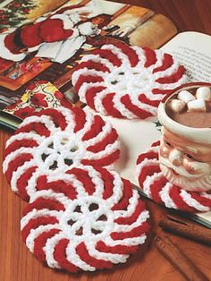 Peppermint Coasters free crochet pattern - Free Peppermint Crochet Patterns - The Lavender Chair Más Crochet Kitchen, Crochet Home, Crochet Gifts, Free Crochet, Knit Crochet, Crochet Winter, Crochet Christmas Gifts, Crochet Coaster, Christmas Presents
