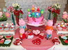 Bolo decorado com o tema Peppa Pig