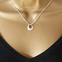 Sterling Silver Hole Limpet Shell Pendant Necklace 16 inc... https://www.amazon.co.uk/dp/B0749S4GSF/ref=cm_sw_r_pi_dp_x_2aV.zbPZZ43TC