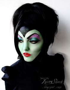 Halloween make up - Maleficent by Rose Shock Disney Halloween, Costume Halloween, Halloween Mode, Holidays Halloween, Happy Halloween, Halloween Face Makeup, Maleficent Halloween, Maleficent Costume, Scary Makeup