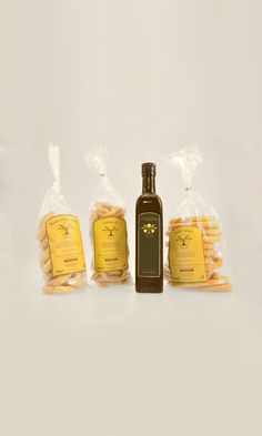 Olio extravergine d'oliva, taralli, taralli al vino bianco #itrescudi