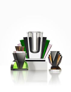 We proudly present Queens & Brooklyn candlelight holders and Harlem Vase